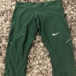 NIKE RUNNING CROPPED PANTS SIZE LARGE
